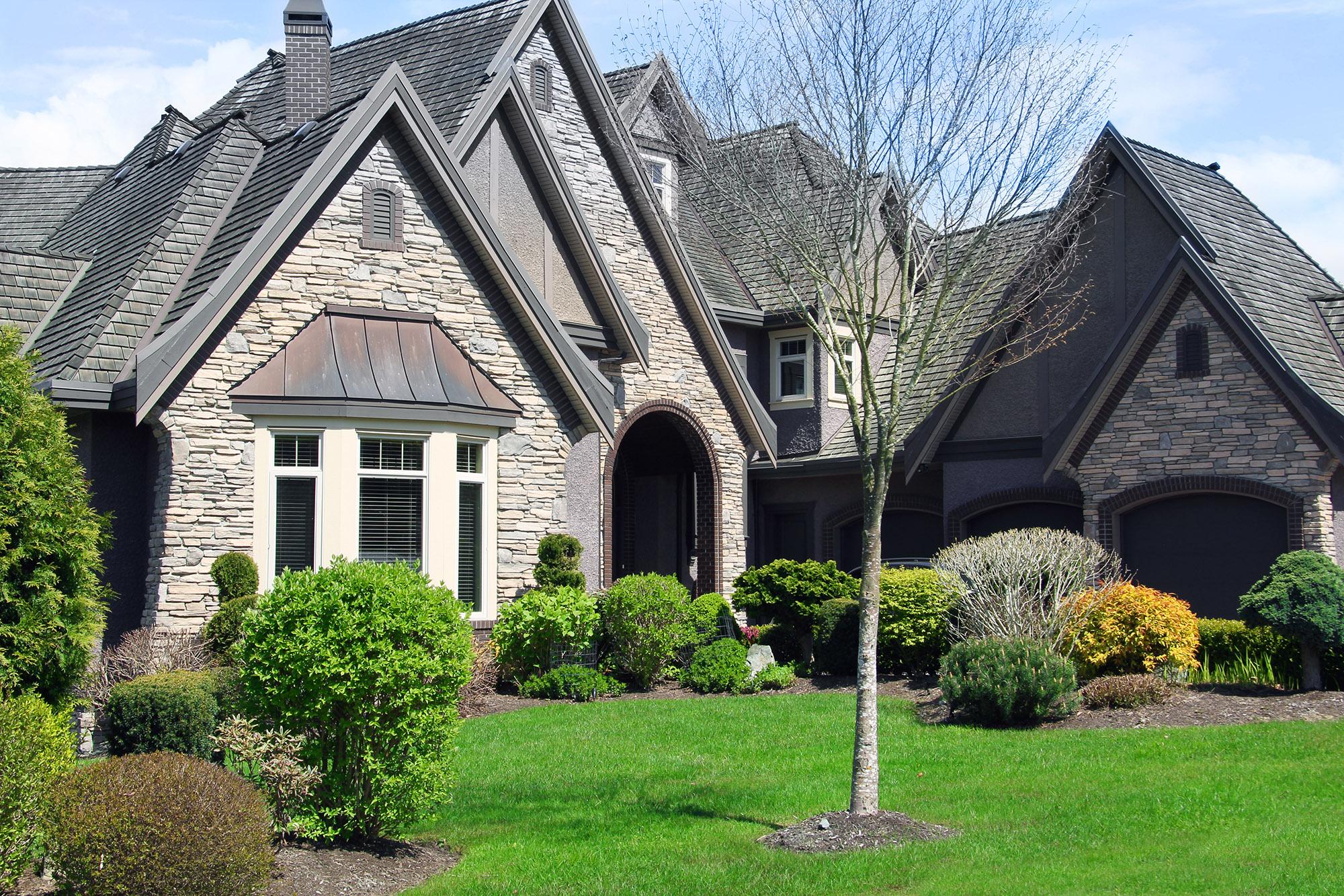 Beautiful large luxurious home in an upscale neighbourhood.